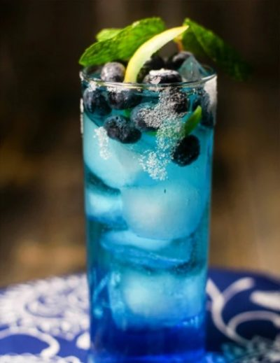 a blue spirulina drink